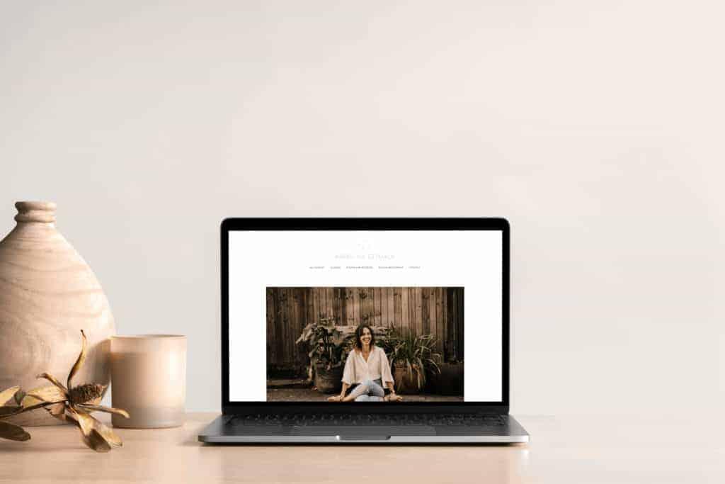 Karolina Website